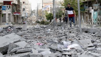 Ракетите към Газа валят, разрушиха единствената COVID лаборатория и детска градина