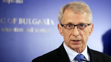 Николай Денков: Учебната година няма да бъде удължавана