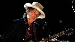 Боб Дилън се завърна на сцената, макар и онлайн