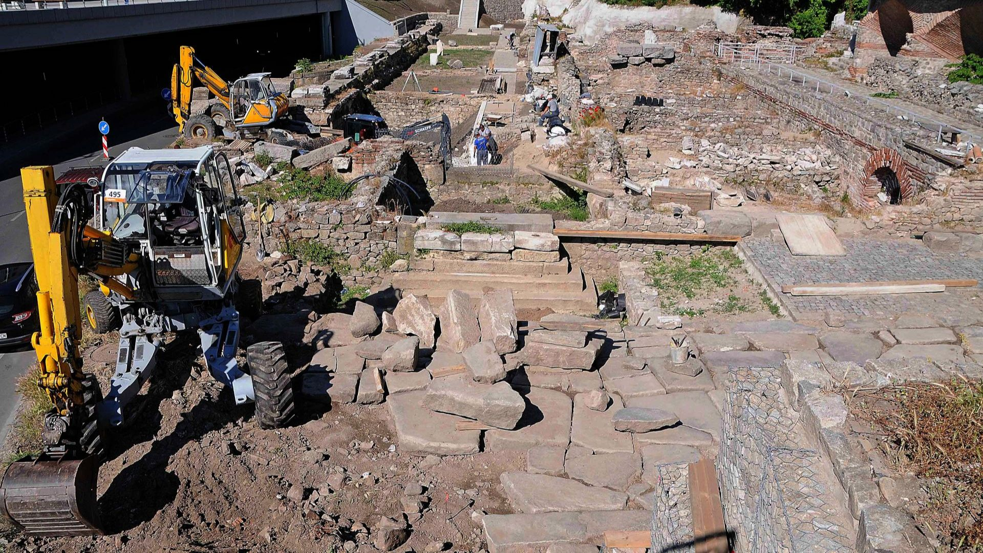 Завършват до дни реставрацията на Античния одеон в Пловдив (снимки)