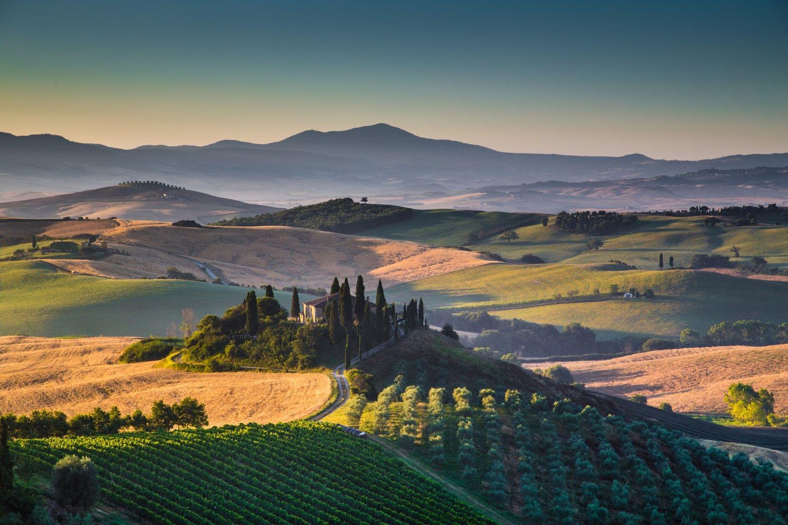 Изгрев по хълмовете на Тоскана