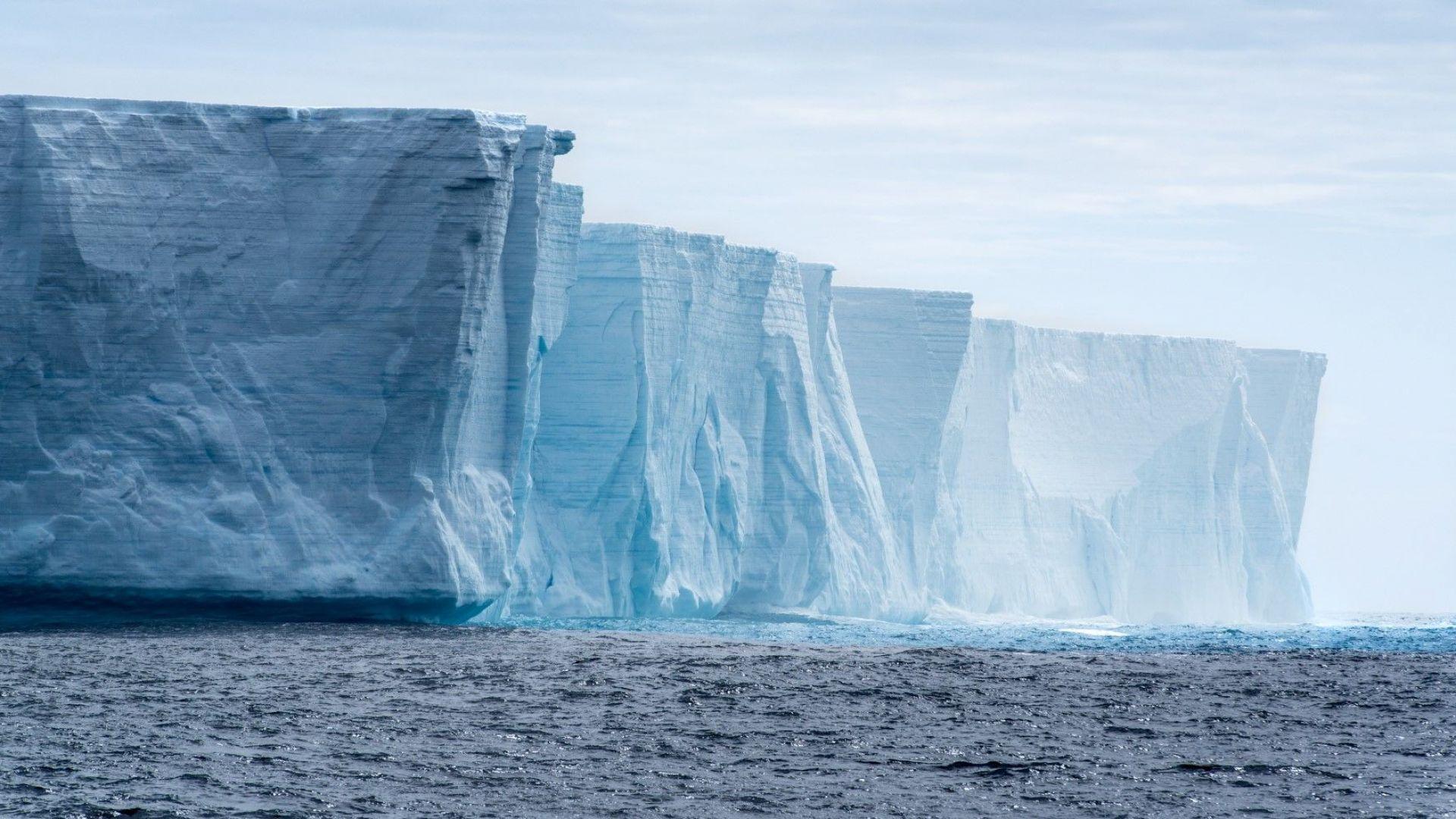 Най-големият айсберг в света се е откъснал от Антарктика