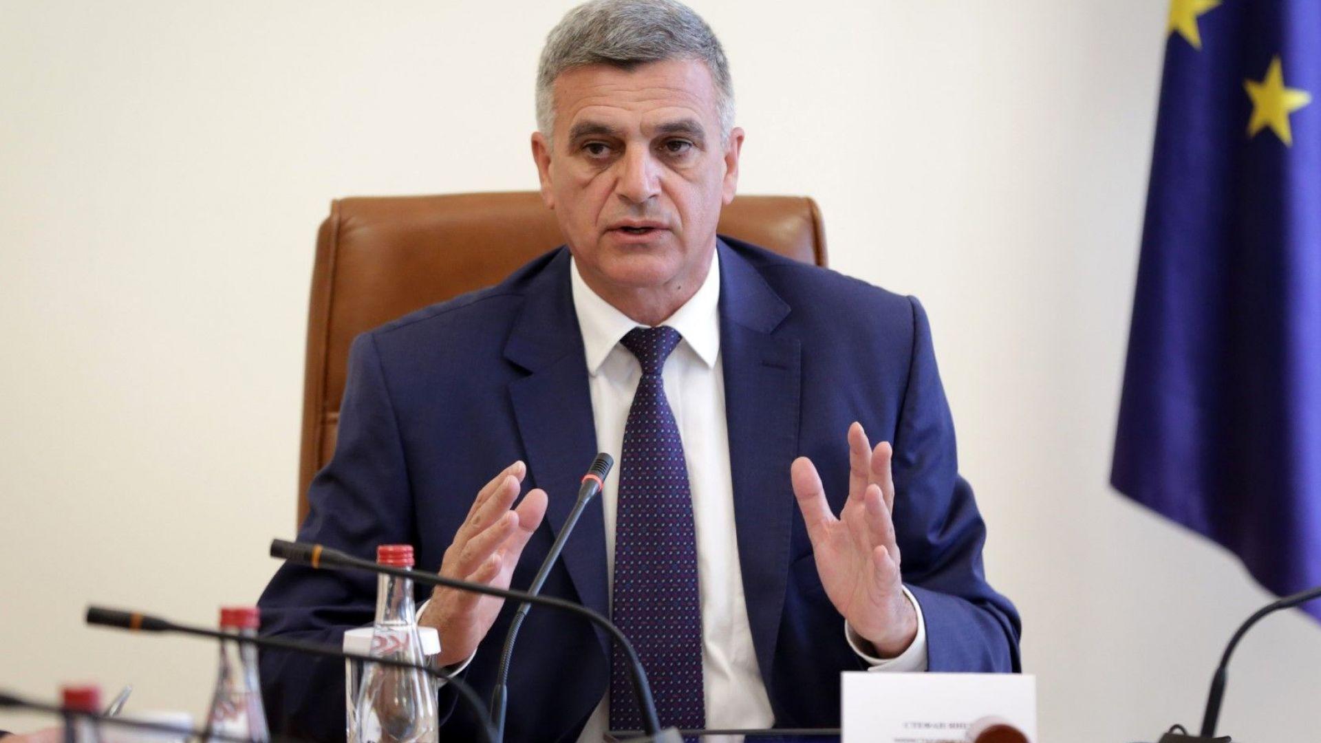 Служебният премиер ще следи лично работата на службите и двама министри