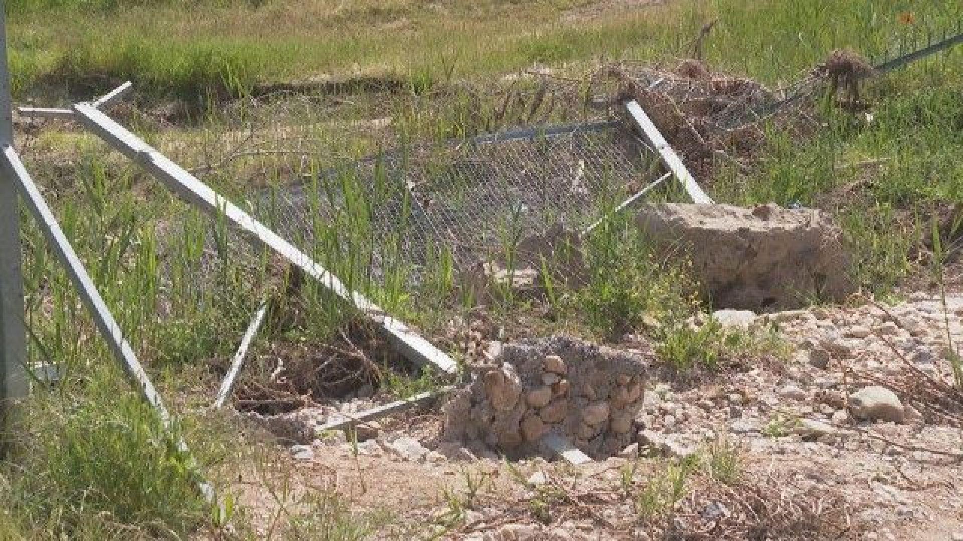 На българо-турската граница: Част от оградата срещу бежанския натиск е пропаднала