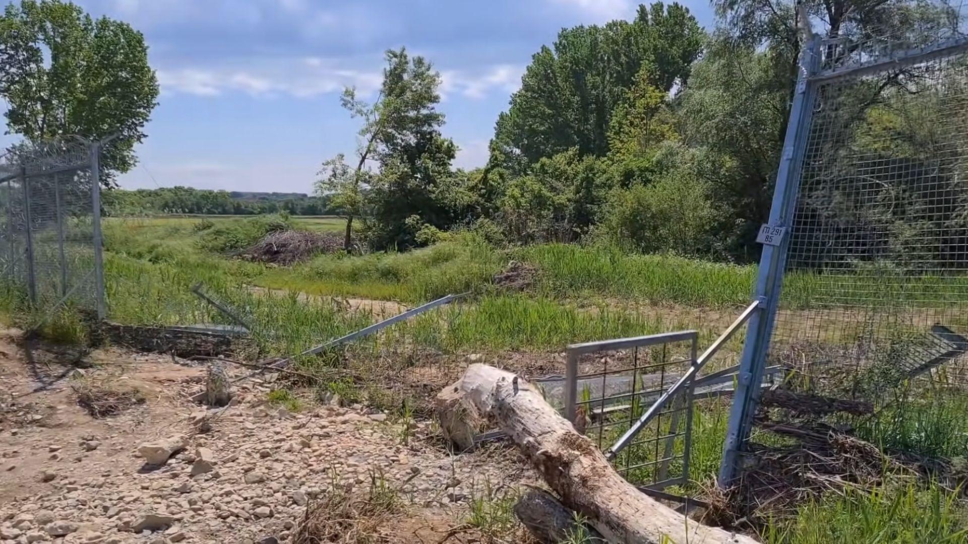 Назначиха проверка за разрушената ограда на границата с Турция