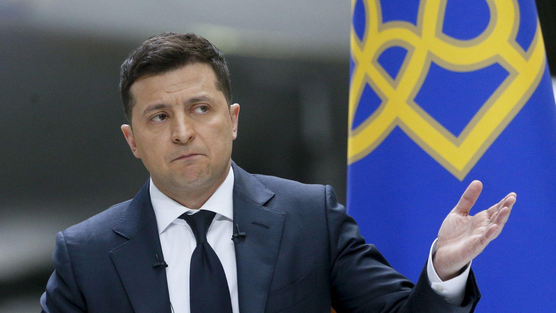 Зеленски: Руските паспорти за жителите на Източна Украйна са първа стъпка към анексиране