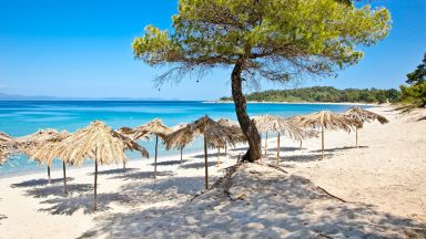 Ковид дипломация или защо Гърция не е пълна с балкански туристи, както ѝ се иска