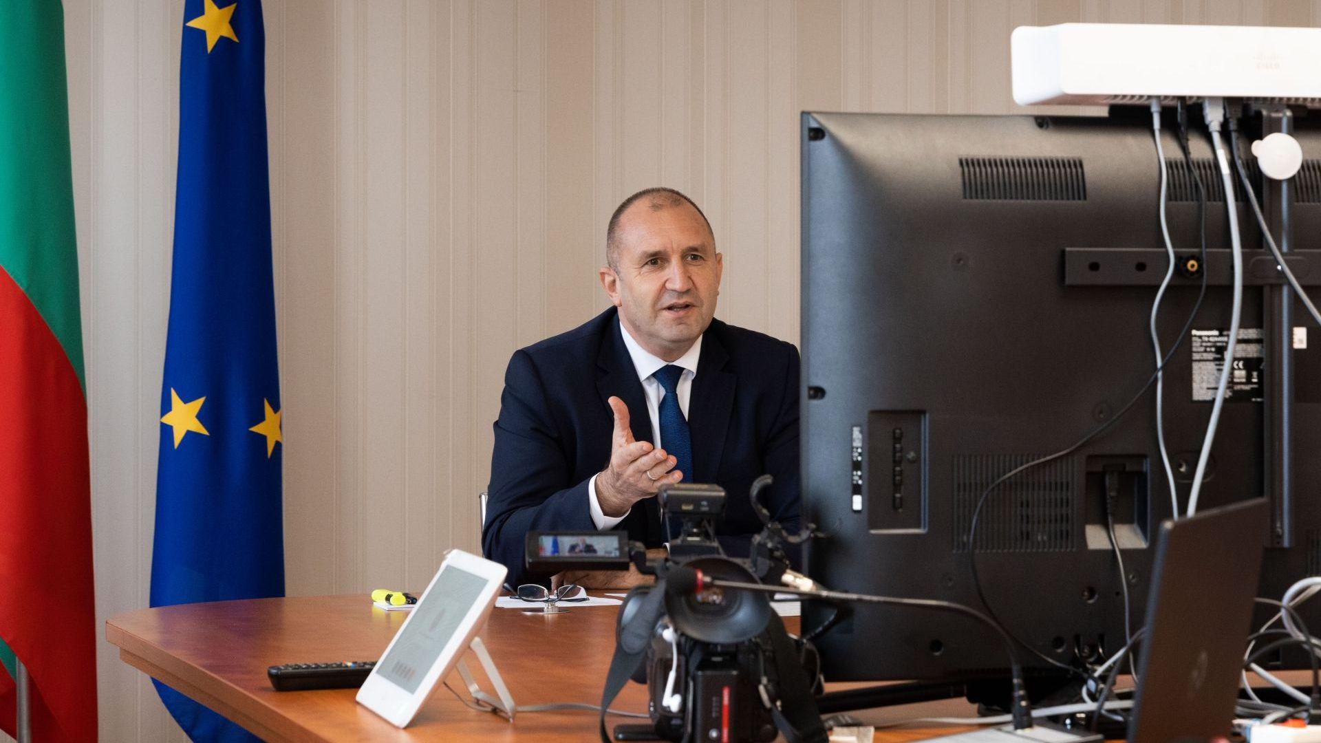 """Румен Радев призова Шарл Мишел за """"зелени коридори"""" за туристите от европейските страни"""