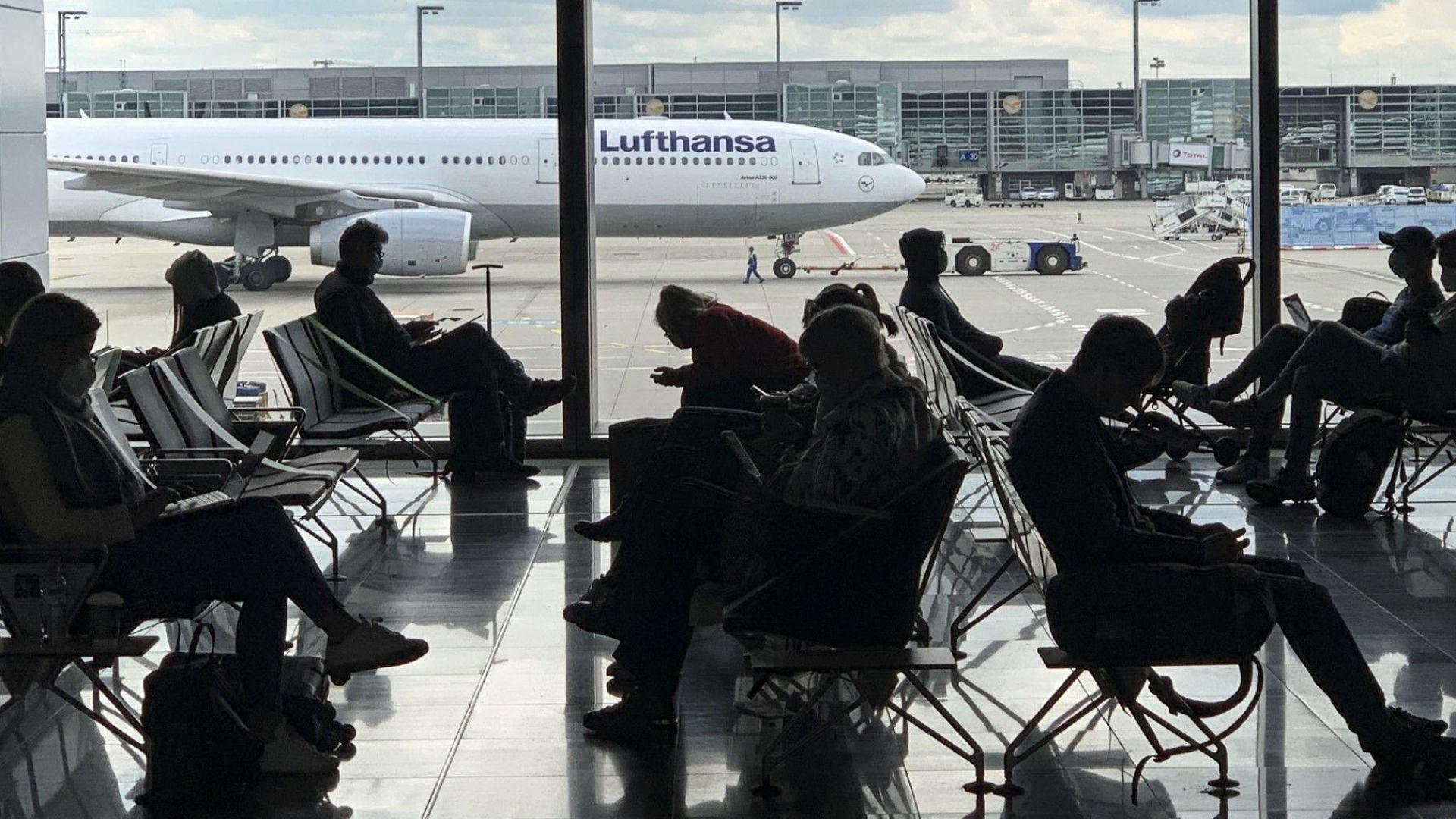 Фамилията на милиардера Тийле продаде половината от дела си в Lufthansa за €320 млн.