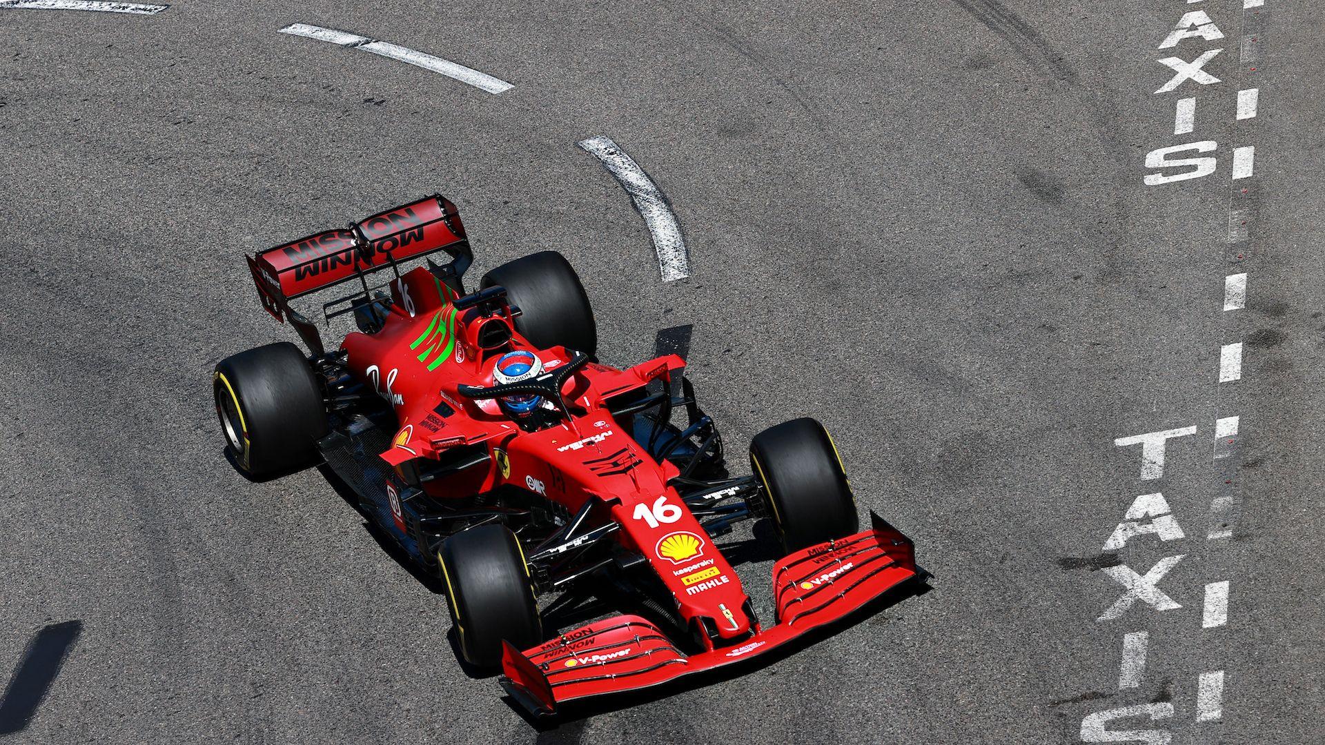 """Леклер се разби, но донесе първи полпозишън за сезона на """"Ферари"""""""