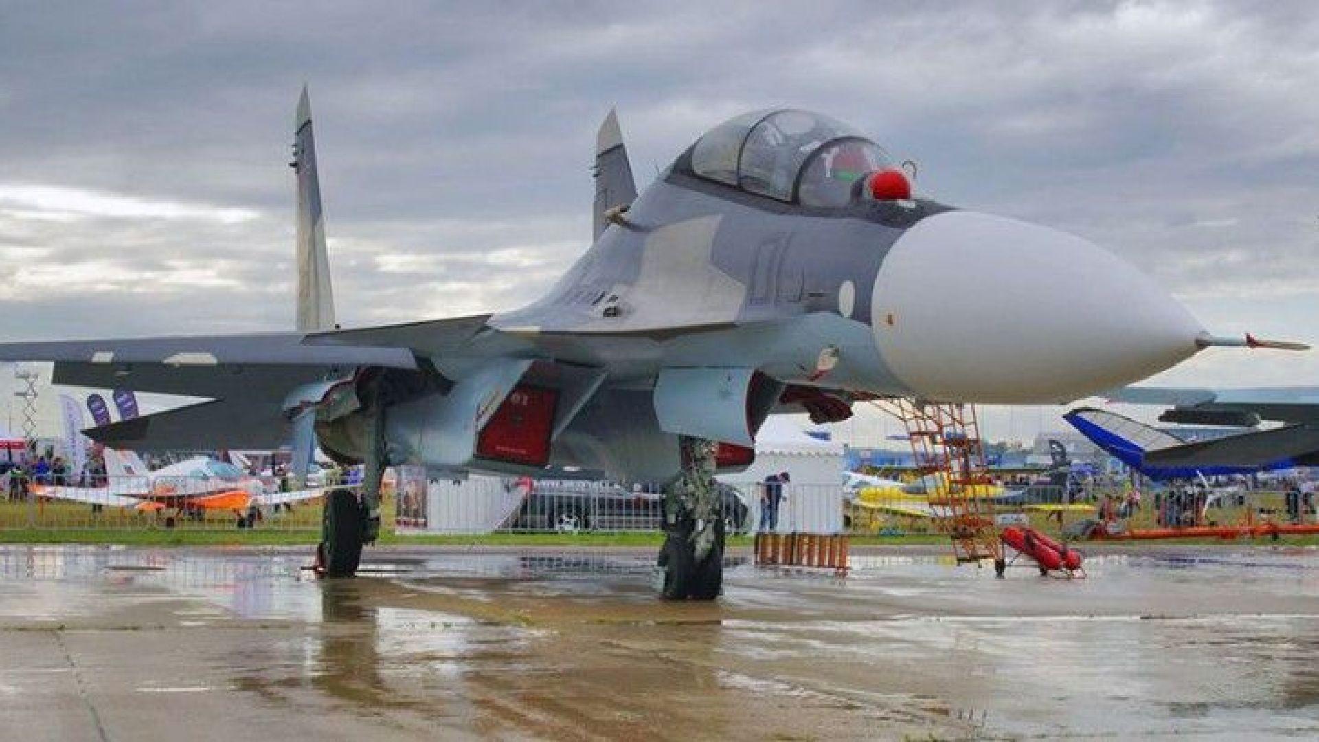 Двама пилоти катапултирали в Крим от изтребител Су-30 на стоянка