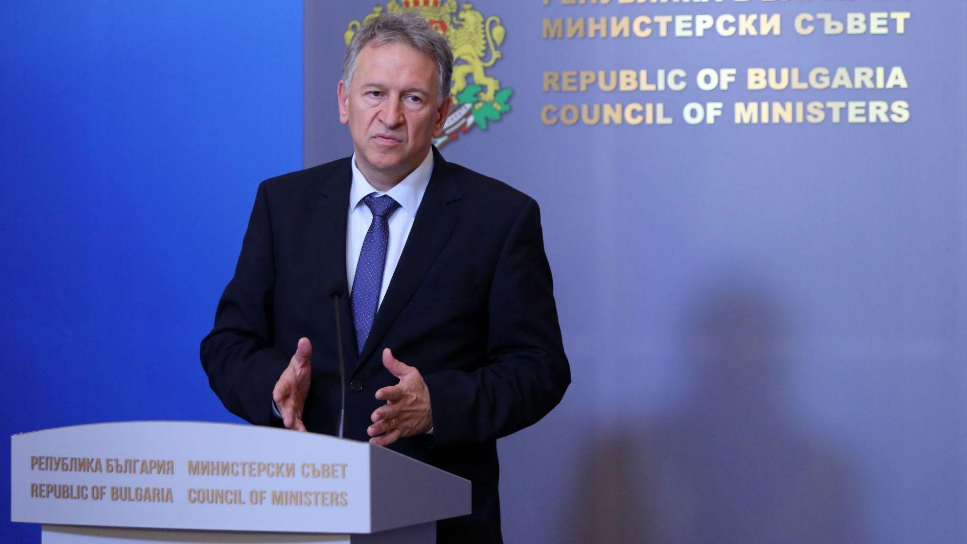 Кацаров: COVID мерките на предишното правителство бяха политически мотивирани
