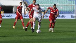 Спортът по телевизията днес: Токио и български футбол