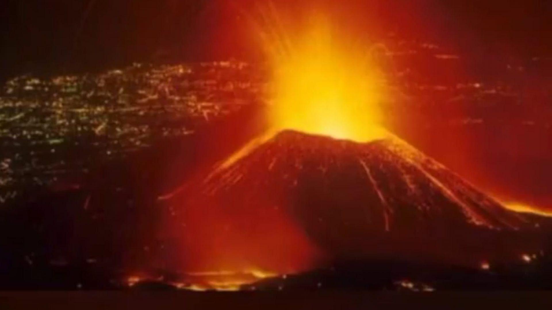 Вулкан изригна в Конго, хиляди жители напускат района (снимки/видео)