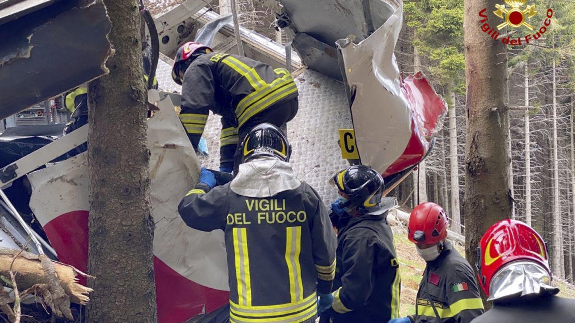 Трима са арестуваните за трагедията с лифта в Италия, в която загинаха 14 души
