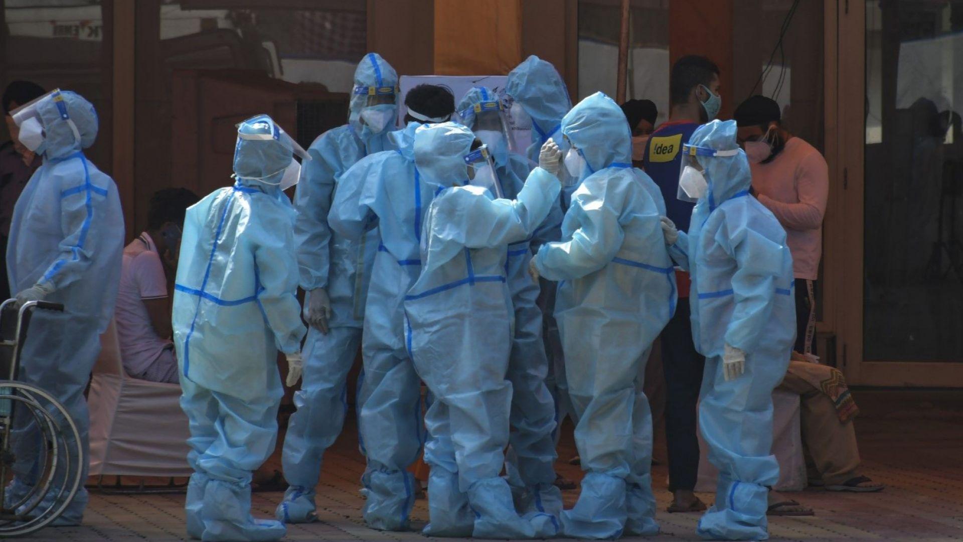 Нова информация за болни учени от Ухан дълбае в пандемичния произход