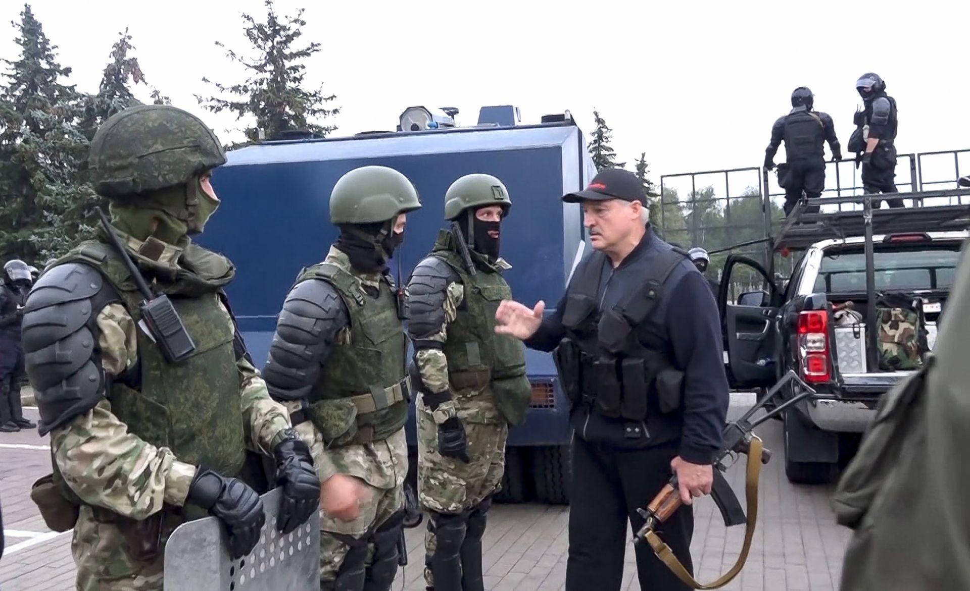 Александър Лукашенко надъхва полицейките части за борба с безредиците, 23 август 2020 г.