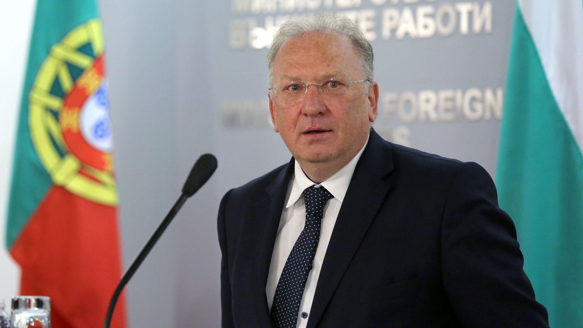 Стоев при представянето на екипа си: Случаят в Минск е въздушно пиратство