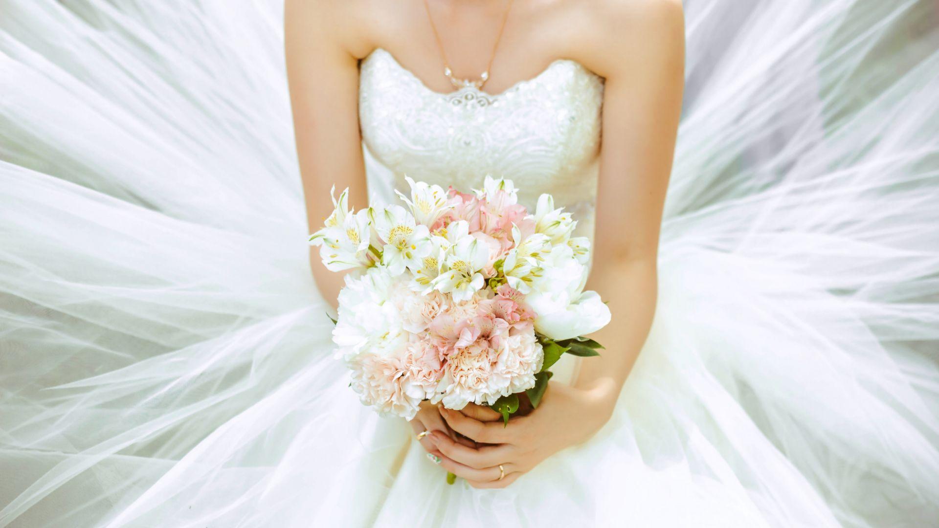 11 г. истинска любов: Жената, омъжила за себе си, все още поддържа щастлива връзка