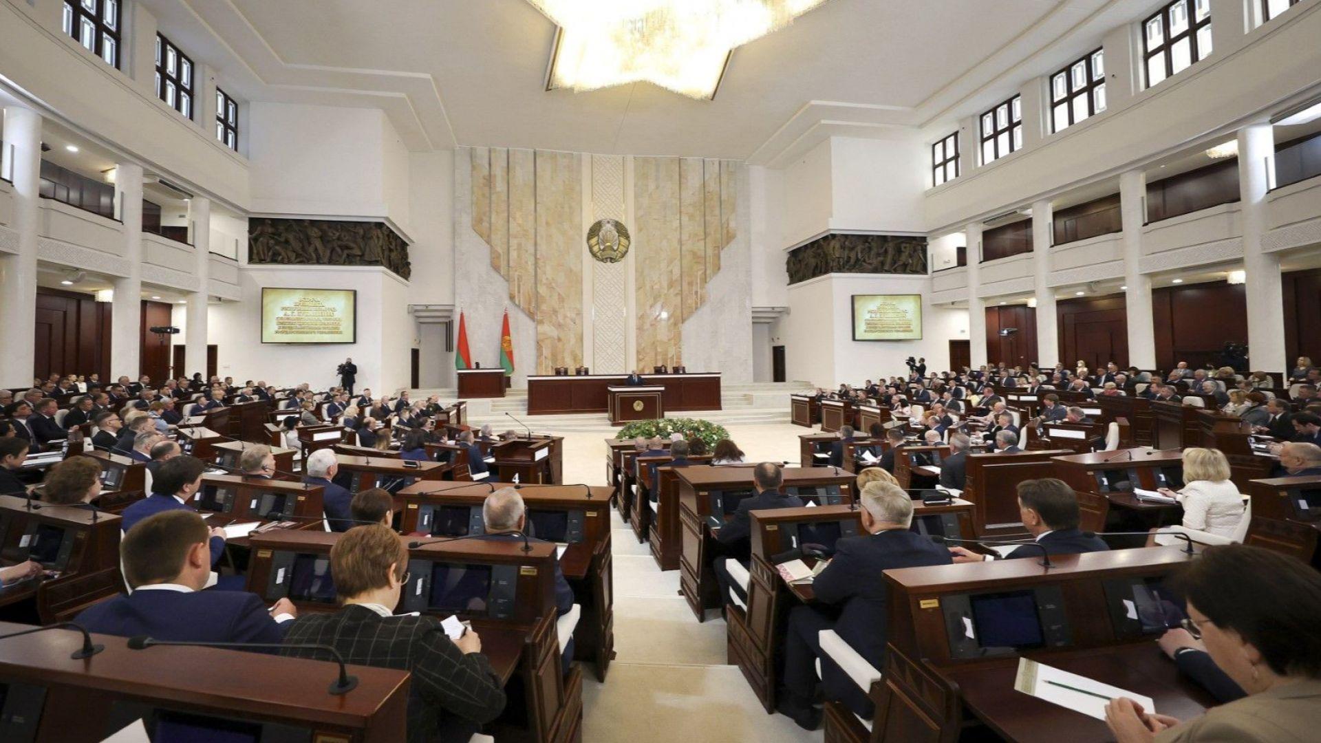 Минск обвини Запада в опит за задушаване на Беларус