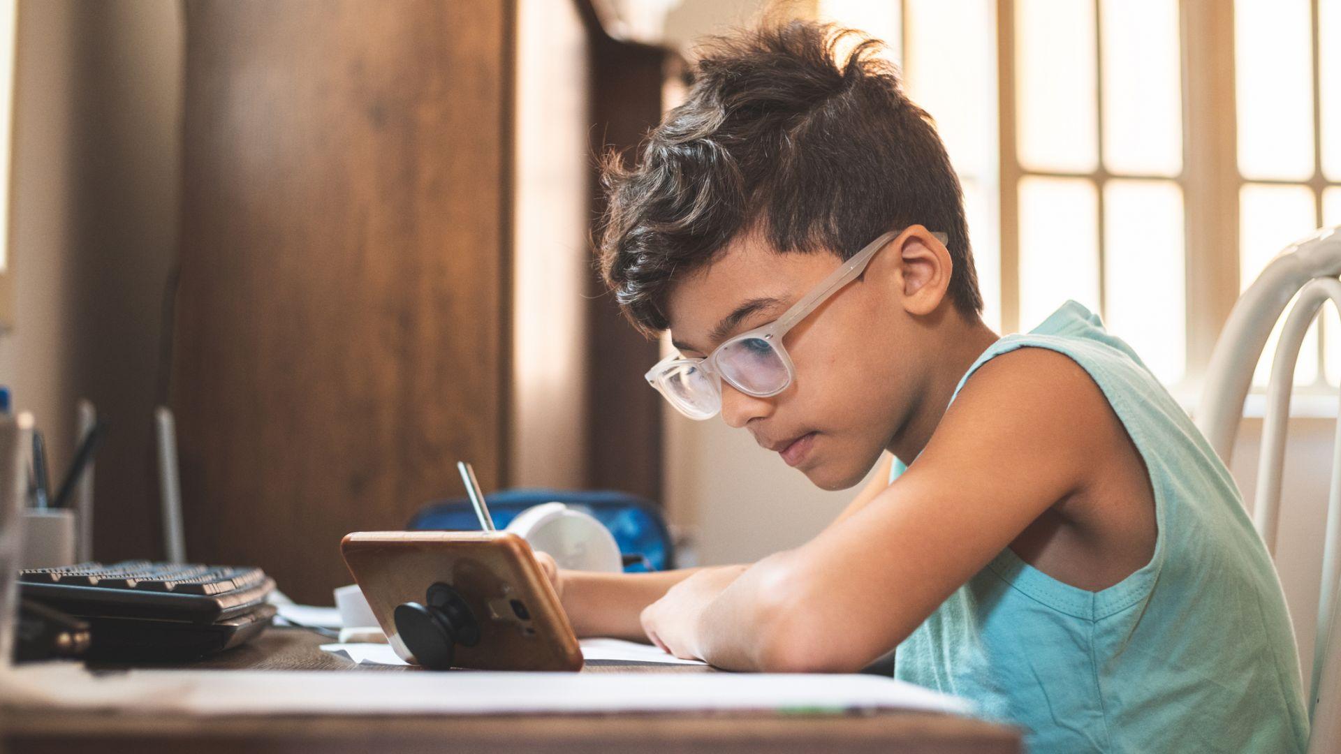Смартфонът може да се използва и с образователни цели