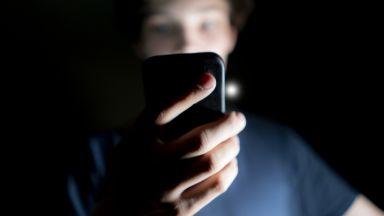 66% от британците: Смартфоните ни подслушват