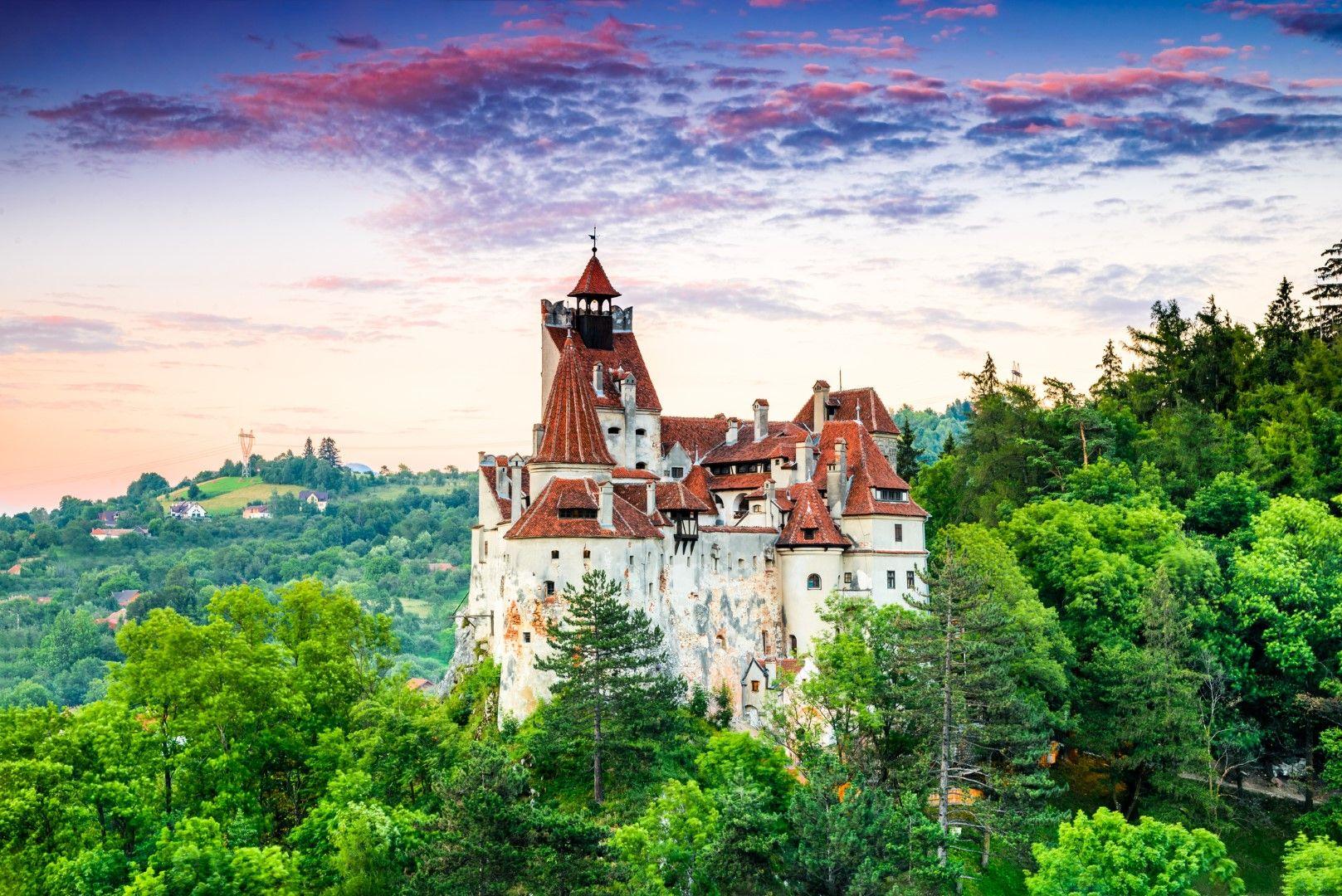 """Замъкът Бран, станал известен заради романа """"Дракула"""" на Брам Стокър"""