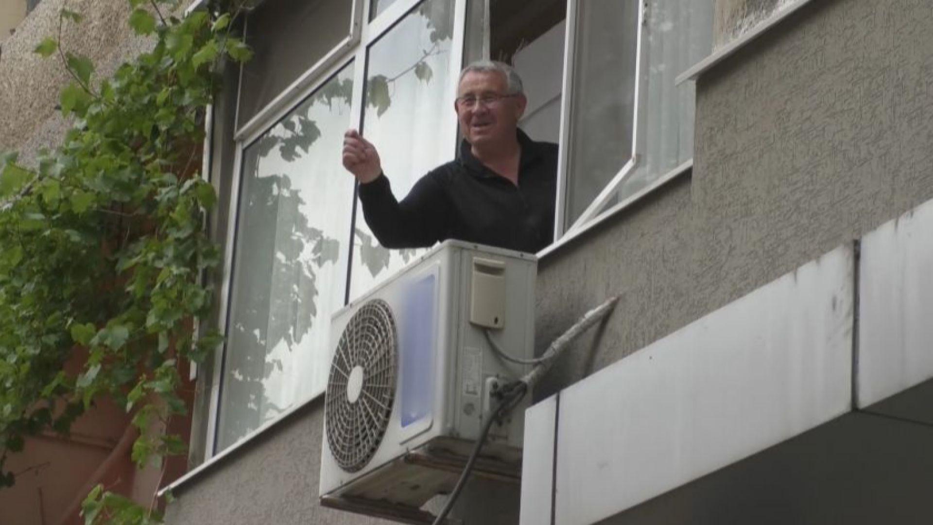 Строителен абсурд: Велоалея минава под балконите на блокове в Силистра