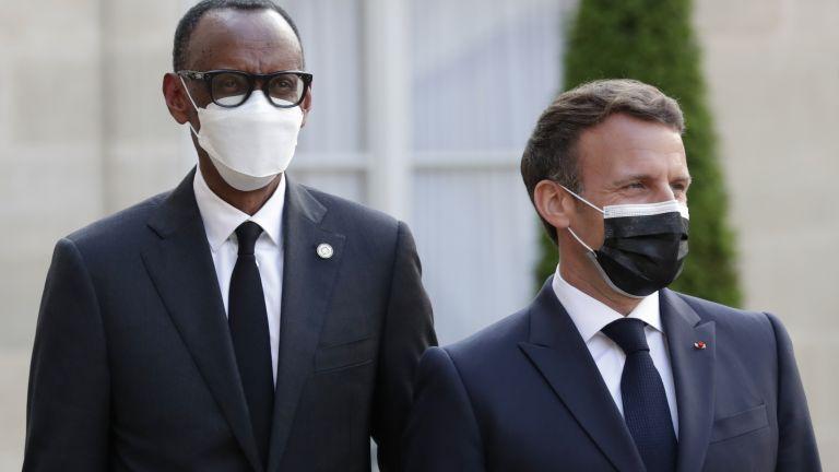 Виж още Френският президент Еманюел Макрон