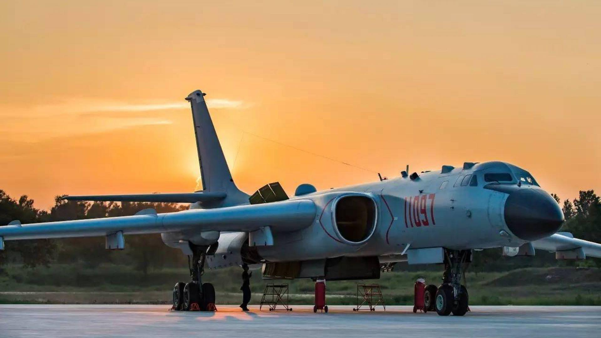 Какво знаем за стратегическият бомбардировач на Китай