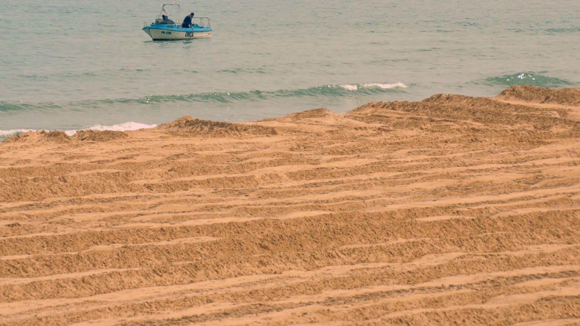 """Засипан ли е плаж """"Смокиня"""" с нов пясък?"""