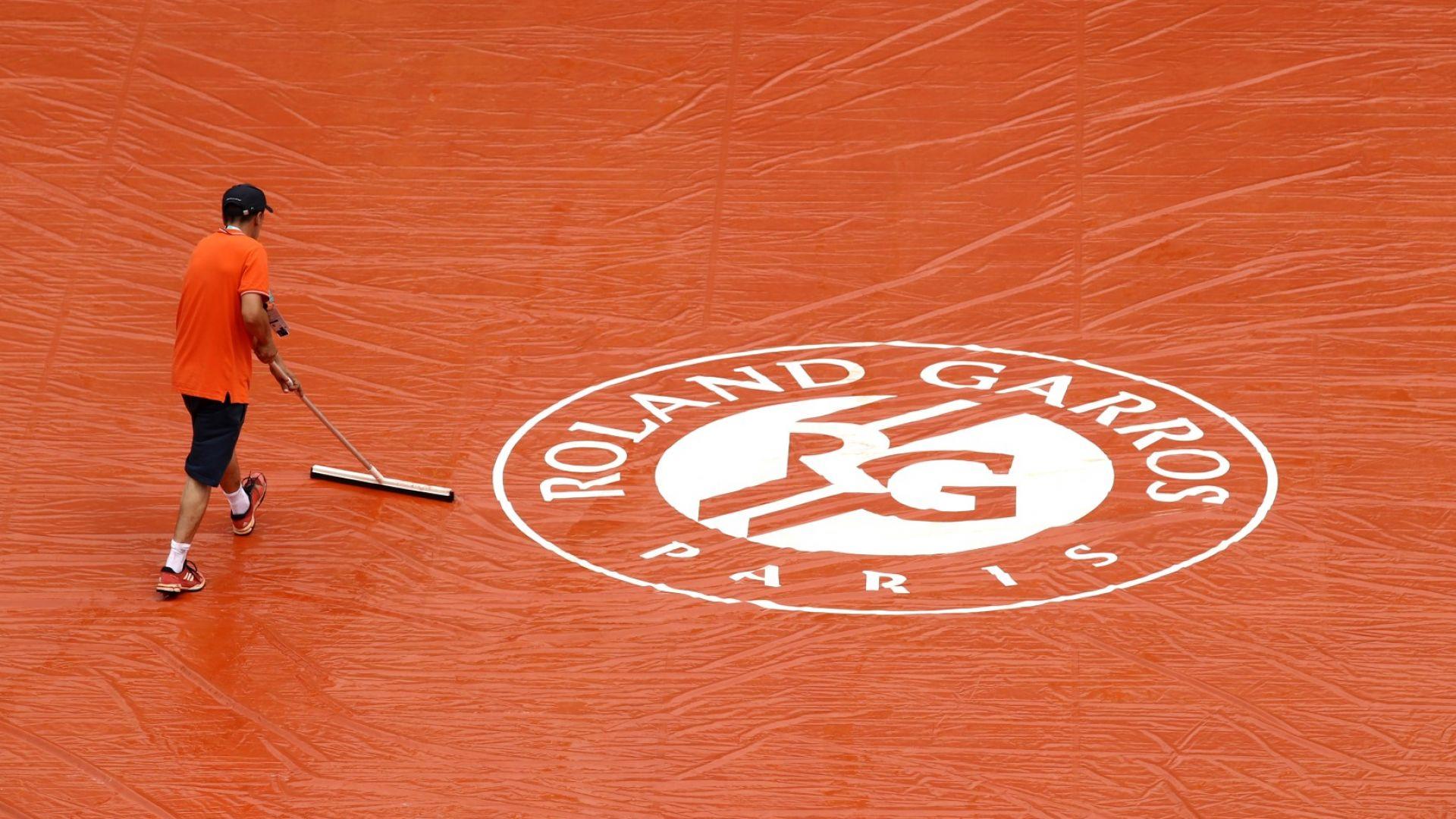 """Двама тенисисти са аут от """"Ролан Гарос"""" заради COVID-19"""