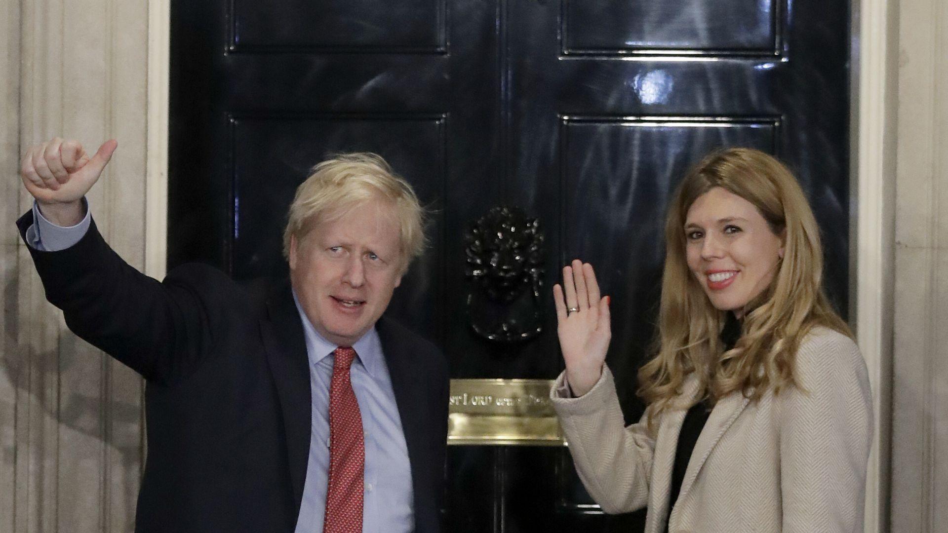 Британският премиер се ожени на тайна церемония