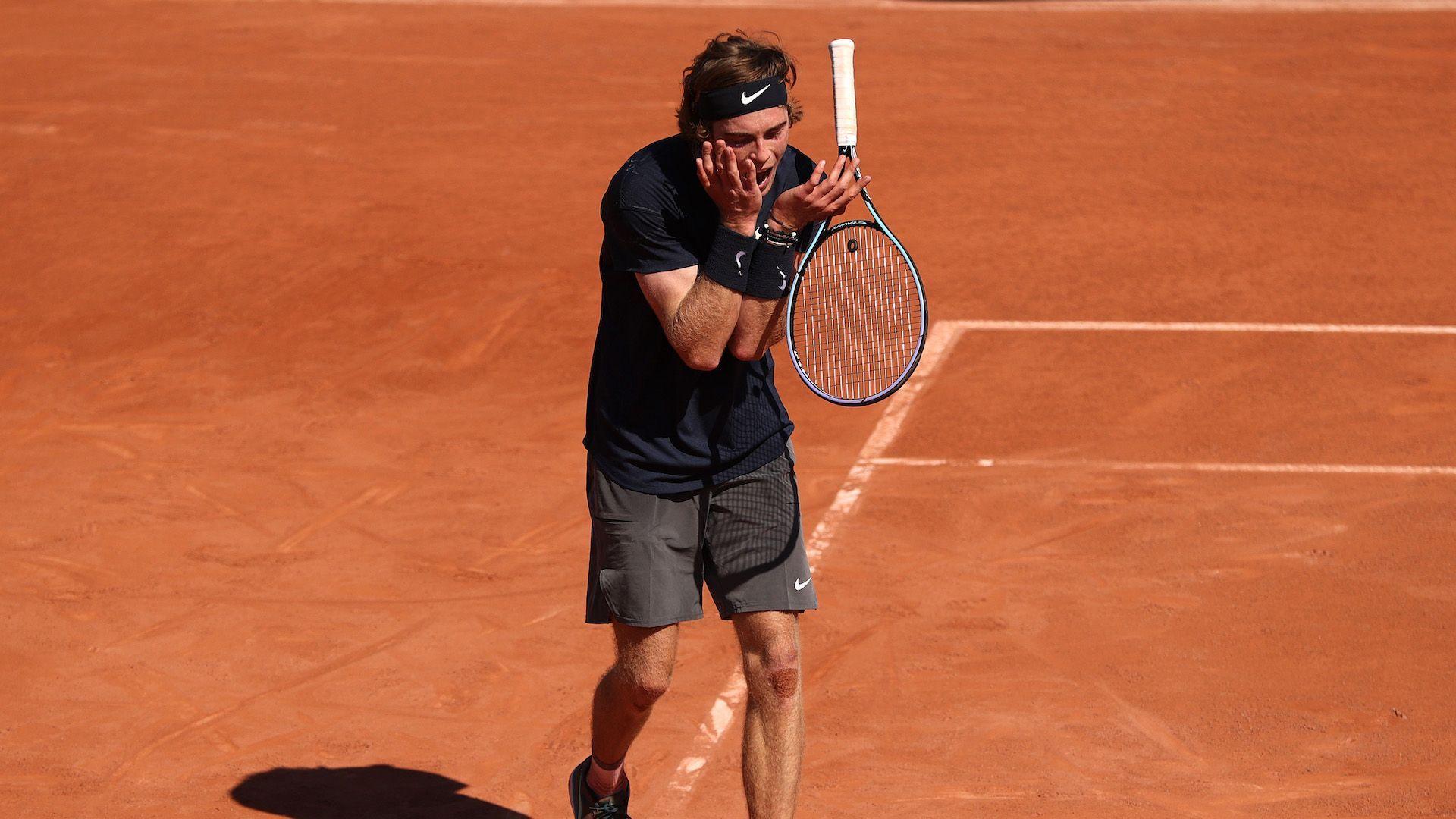 """Рубльов изненадващо се сбогува с """"Ролан Гарос"""" в първия кръг"""