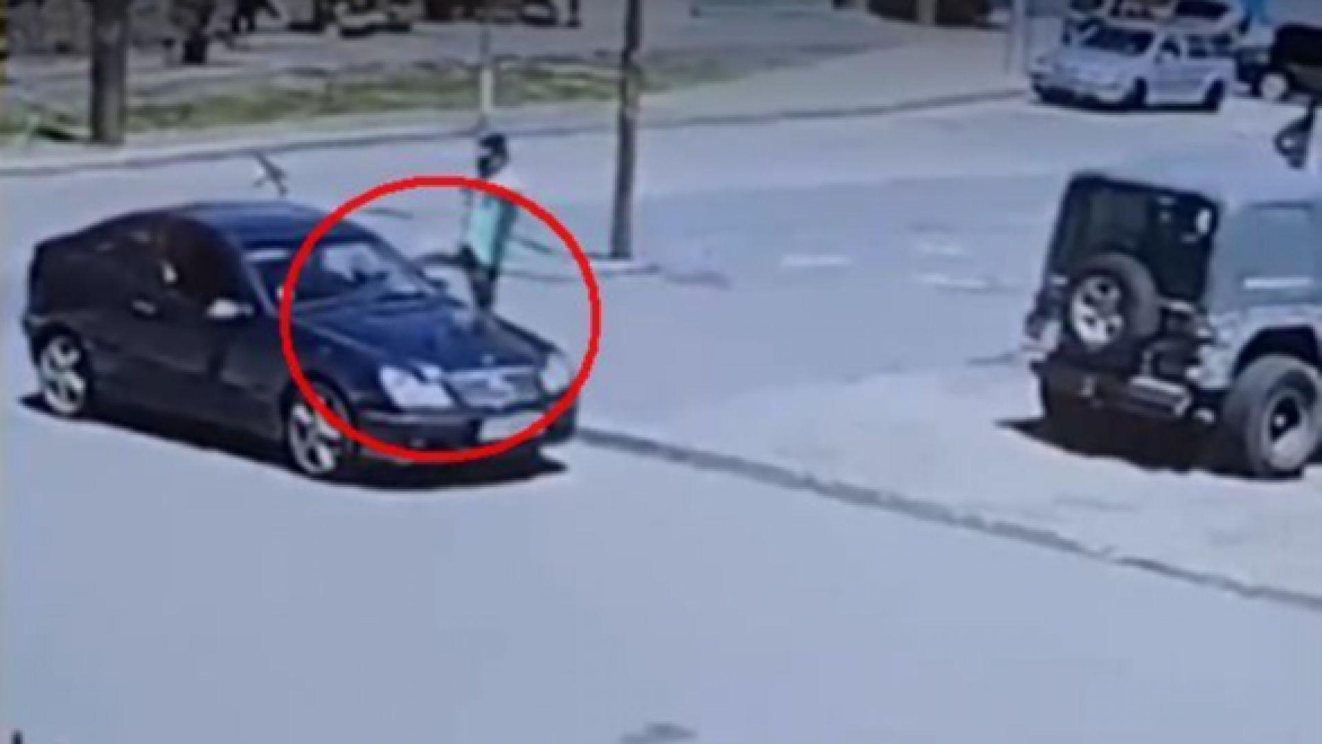 Ритник в главата след отнето предимство в София, пострадала е жена (видео)