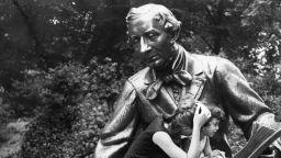 """""""Смъртта на русалката""""  - Х. К. Андерсен разследва жестоко убийство (откъс)"""