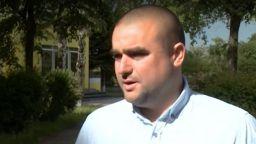 Учител спаси дете, блъснато от кола, което си глътнало езика
