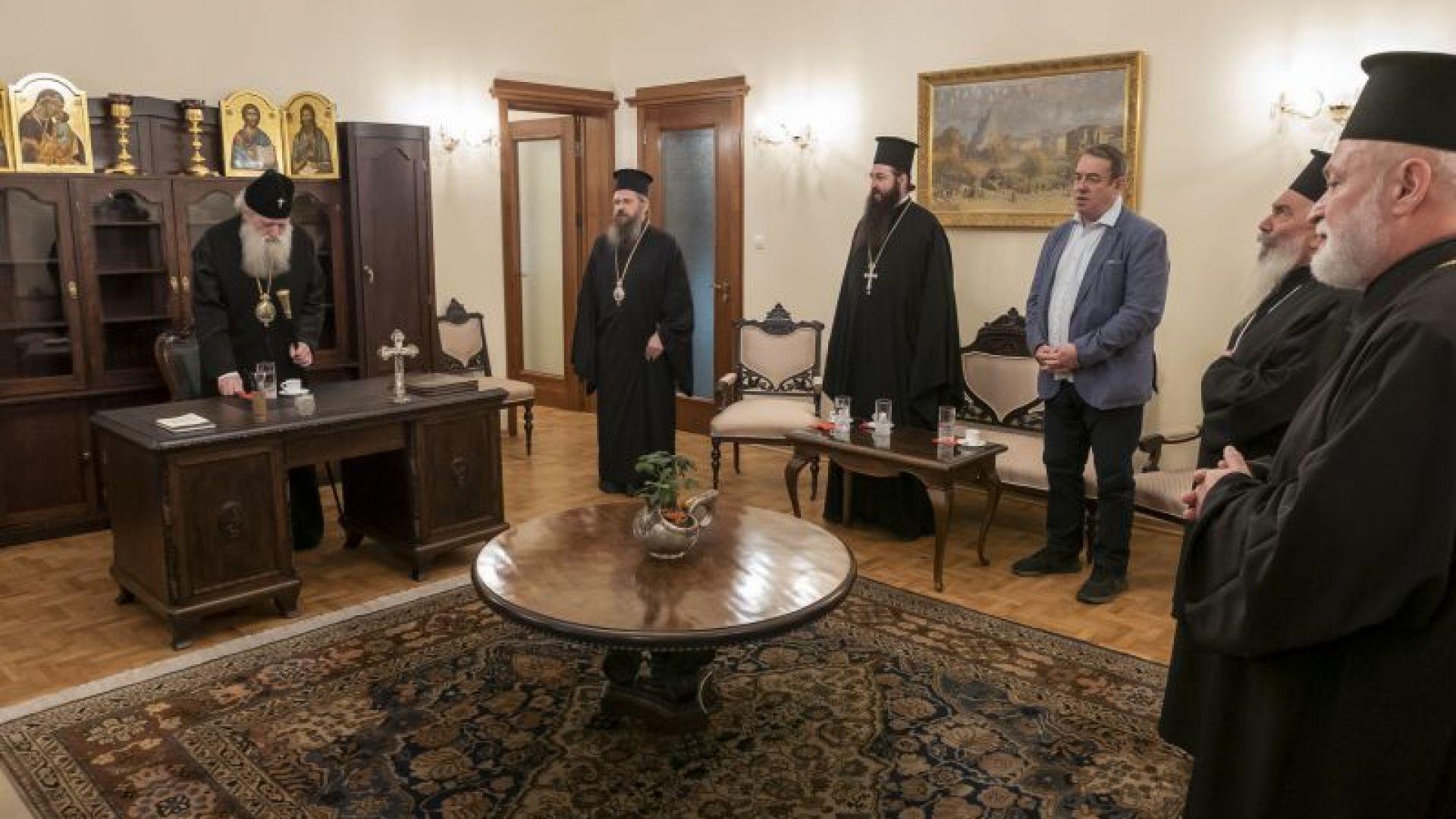 Патриарх Неофит с нов кабинет, благослови съветниците от Софийската епархия