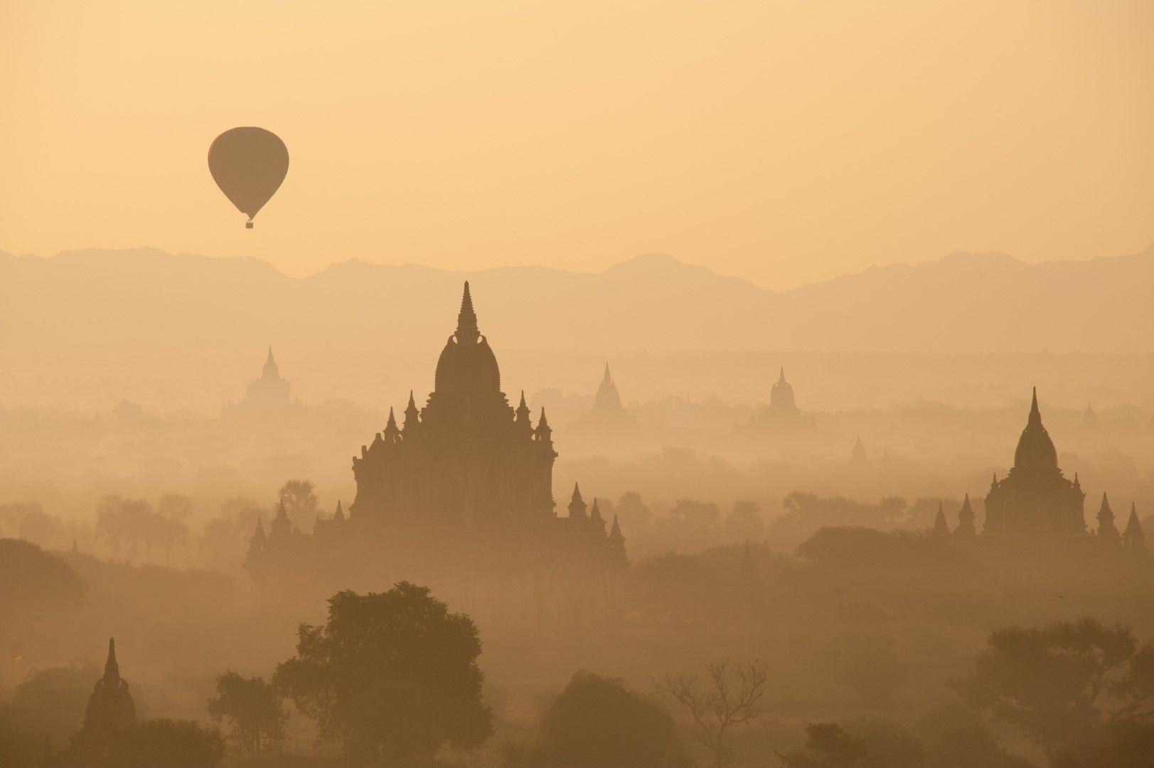 Полет над храмовете в Баган, Мианма