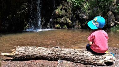 Водопадите край Локорско: разходка за деца и възрастни на 20 минути от София
