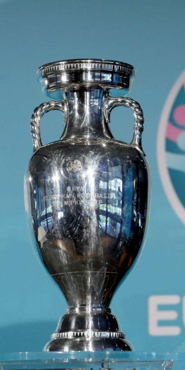 """Кой ще вземе ЕВРО 2020? 10 специални епизода на """"Трите мача"""" и 50 награди за вас"""