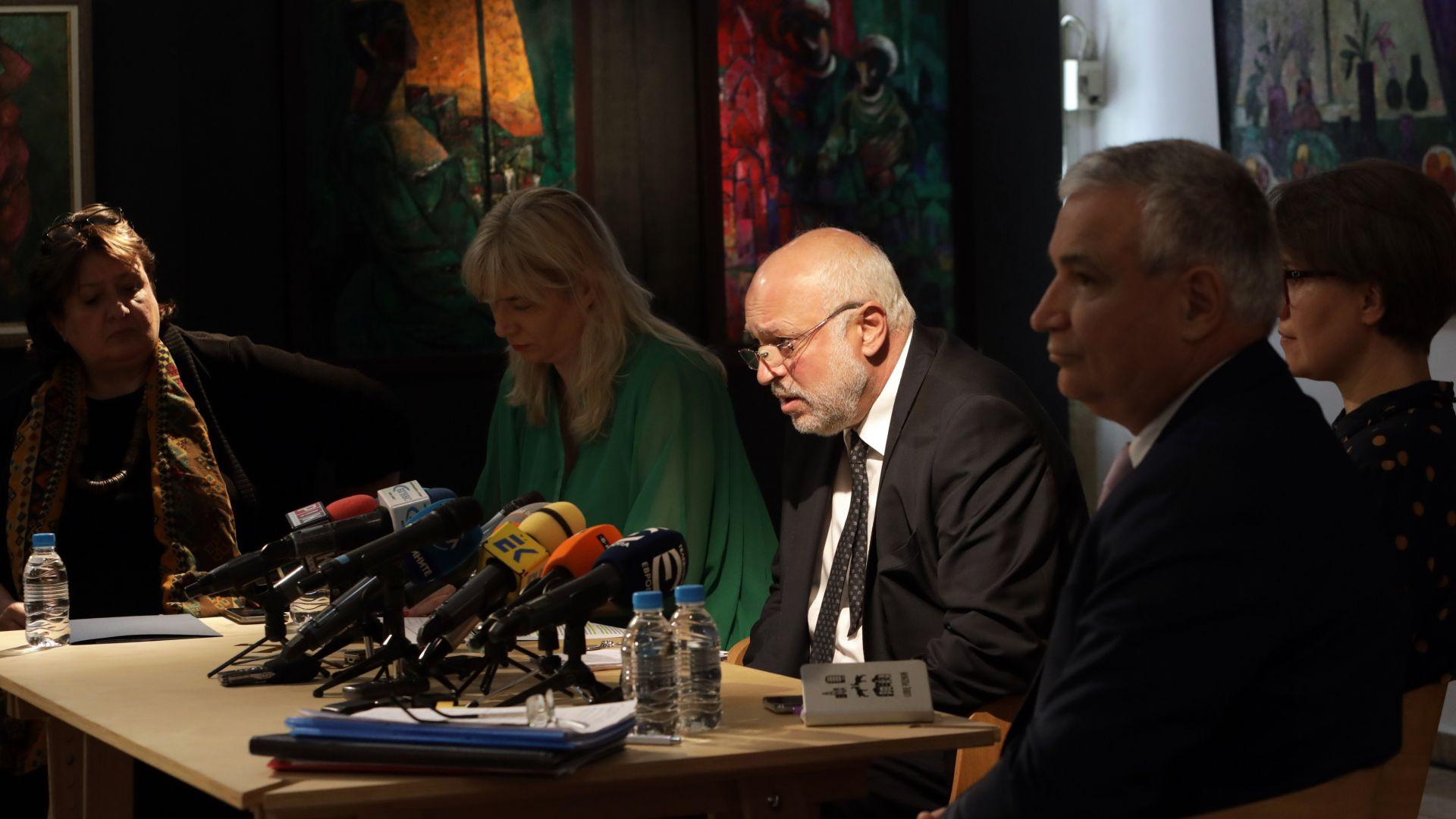 Министърът на културата: Папалезов трябваше да бъде наплашен, за да не работим заедно