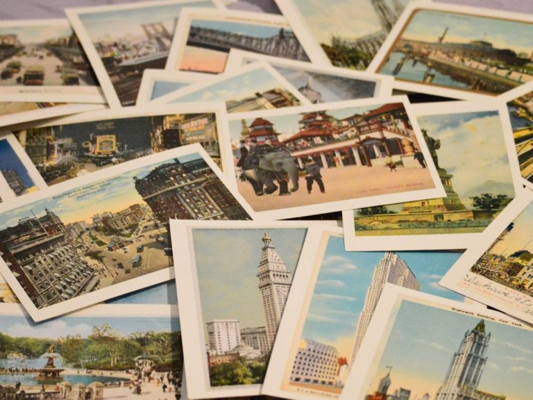 Защо да изпращате пощенска картичка на себе си от всяка екскурзия