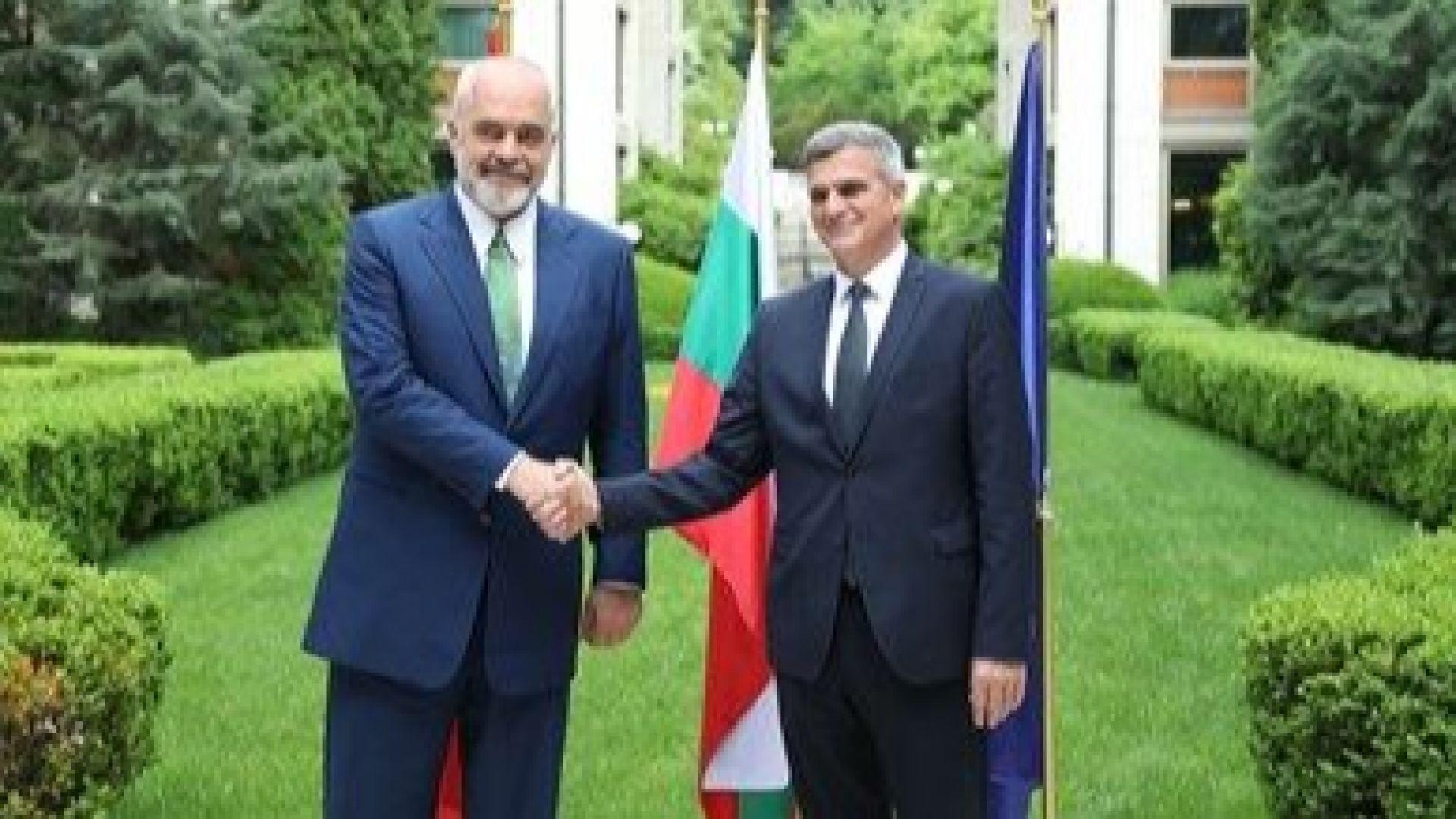 Стефан Янев посрещна премиера на Албания Еди Рама