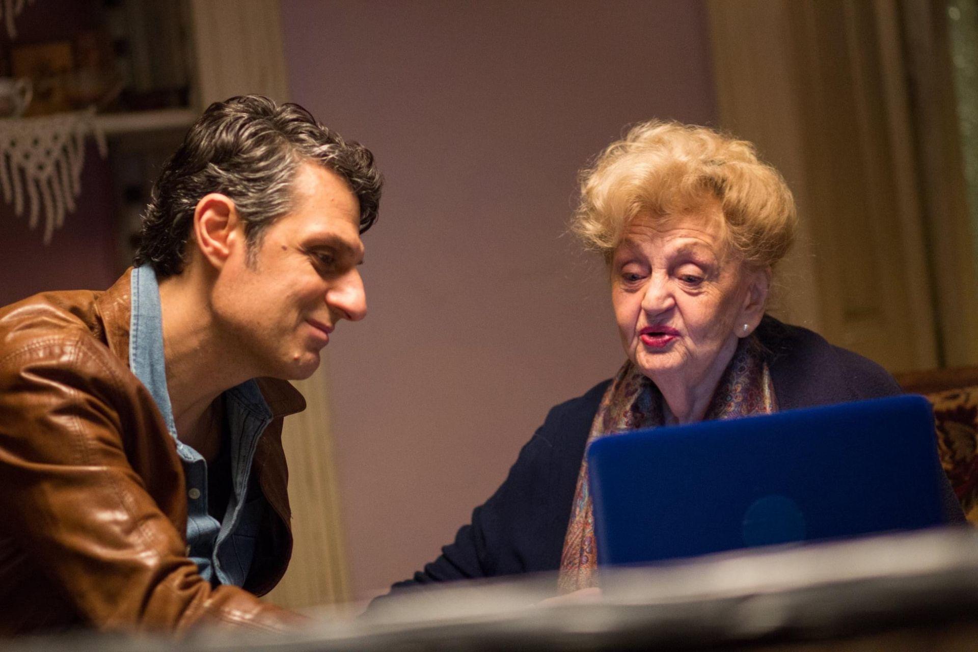 Велислав Павлов с Татяна Лолова, което бе неговата хазяйка в сериала