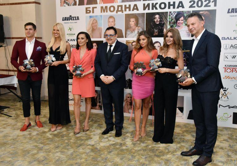 Иво Аръков, Натали Трифонова, Таня Скринска, Любомир Стойков, Есил Дюран и Ники Дойнов