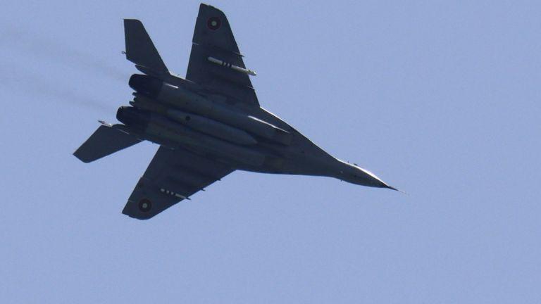 Изтребител МиГ-29 изчезна от радарите в морето край Шабла. Инцидентът