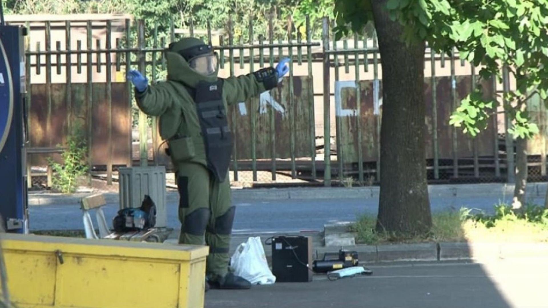 """Съмнителен куфар блокира автогара """"Запад"""" в Бургас, вдигнаха на крак сапьори и полиция"""