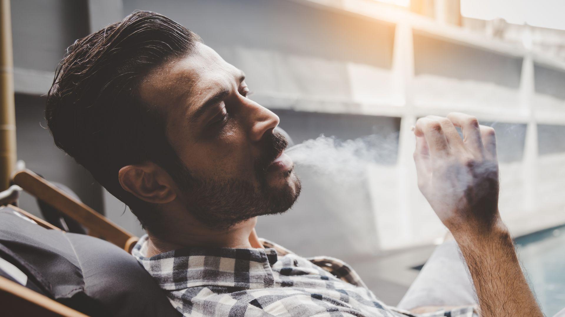 Пушенето на повече от пет цигари дневно увеличава с 20 на сто риска от онкологично заболяване