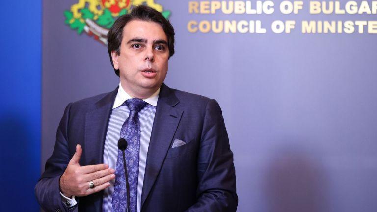 Асен Василев: Ананиев е изнасял данъчноосигурителни тайни